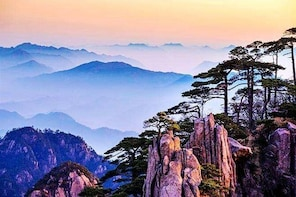 3-Day Huangshan Private Tour: Yellow Mountain, Xidi Village and Tunxi Old S...