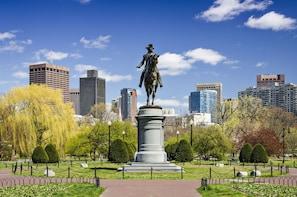 Private Tour: Boston & Woodbury Common Premium Outlets