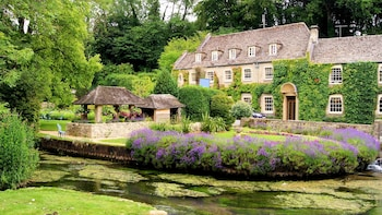 Full-Day Tour & Lunch in the Cotswolds