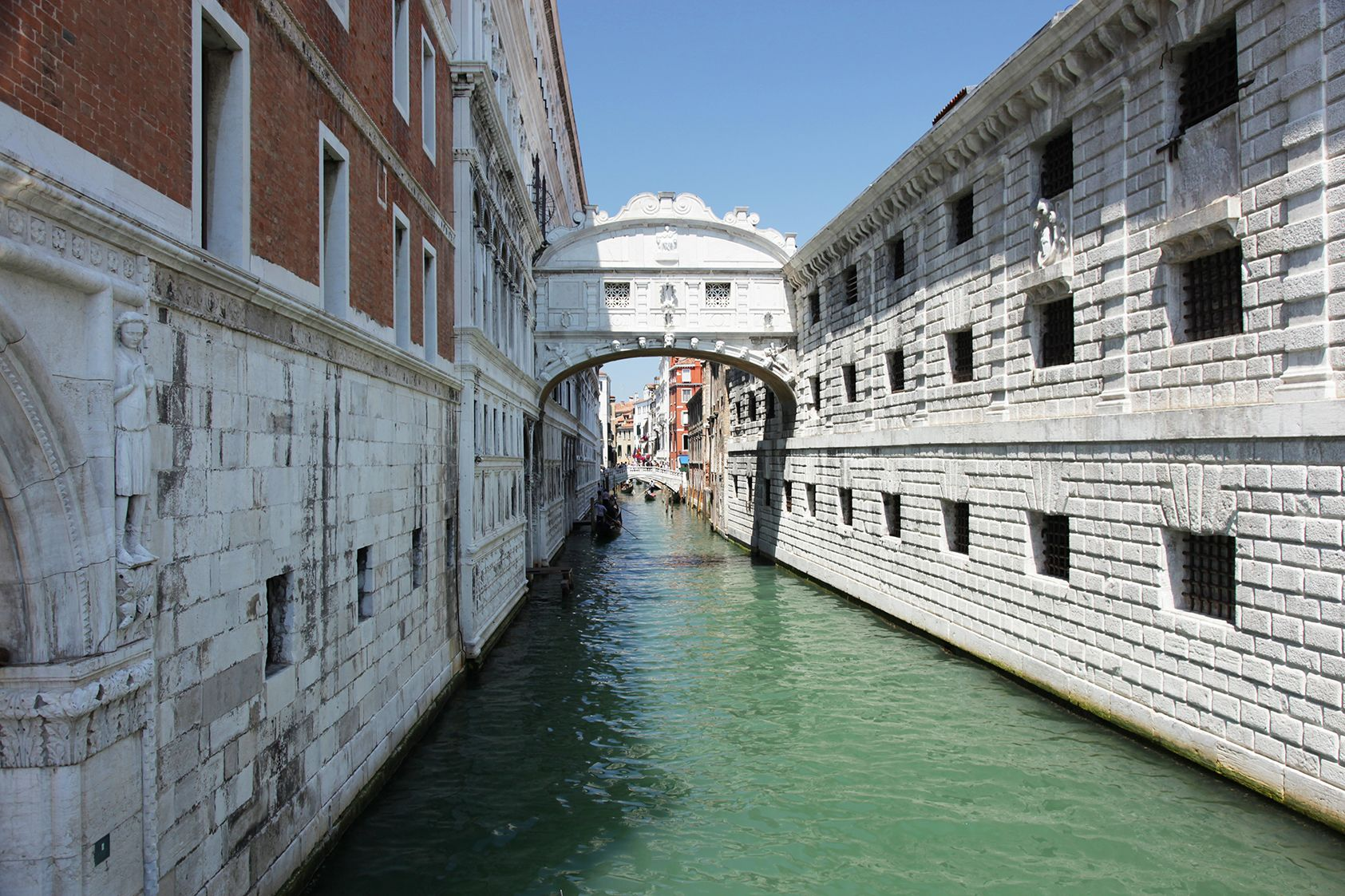 Bridge-of-Sighs_Gondola-wide.jpg