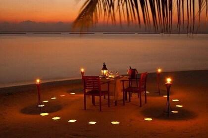 Maafushi: Romantic beach dinner
