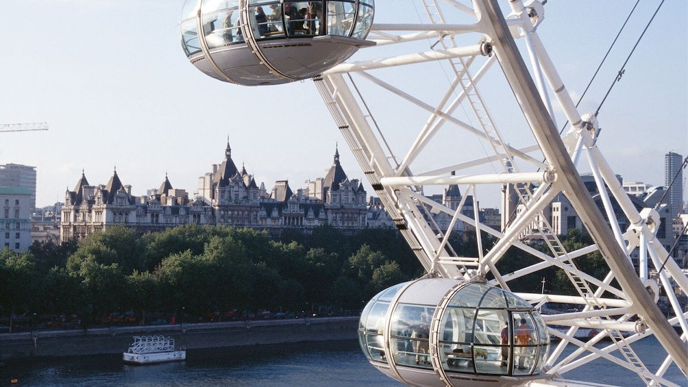 Carregar foto 3 de 10. More London for Less: 5 Attractions inc. The London Eye