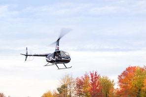 Couple's Private Autumn Helicopter Tour From Westchester