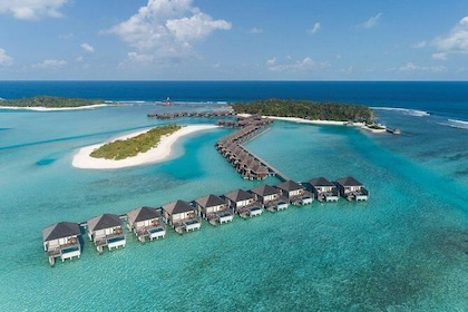 Maafushi: Anantara Dighu and Anantara Veli resort day trip