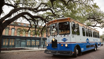 Explore Savannah Trolley Tour W/ Unlimited Shuttle Service
