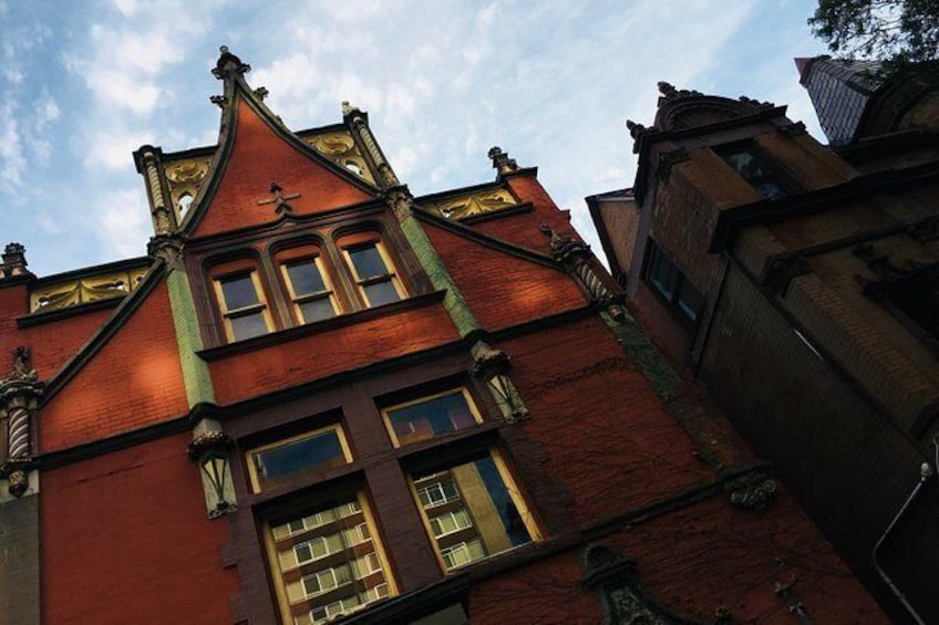 Old Louisville Ghost Tour by LHT as Recommended by The New York Times!