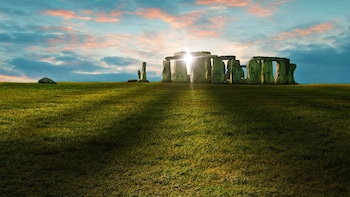 Private Sunrise or Sunset Viewing of Stonehenge with Bath & Lacock