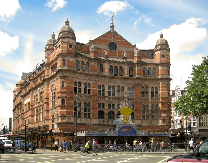 Show item 10 of 10. 8 Day Music Theatre and Movies English Course in London