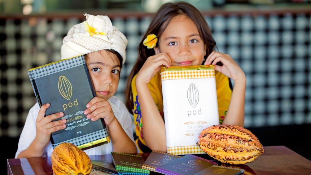Tampilkan item 1 dari 5. children holding big chocolate bars in Bali