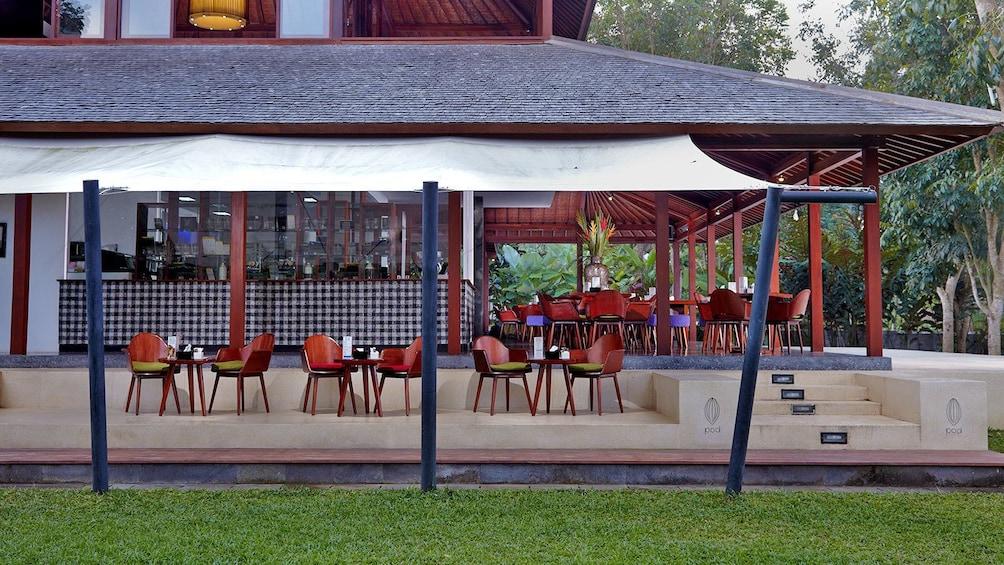 Tampilkan item 3 dari 5. covered outdoor dining areas in Bali
