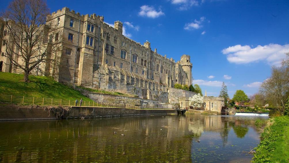 Foto 2 von 10 laden Warwick Castle in England