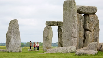 Simply Stonehenge Half- Day Tour from London