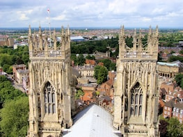 Day Trip to York via Train with Hop-On Hop-Off Bus Tour