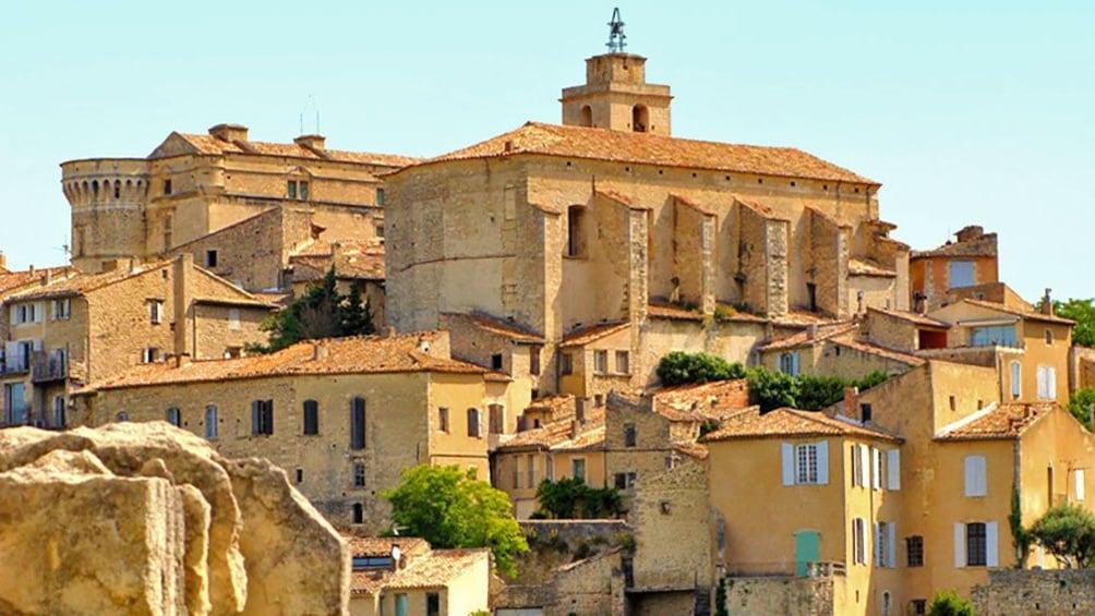 Charger l'élément 1 sur 5. old stone buildings in Provence