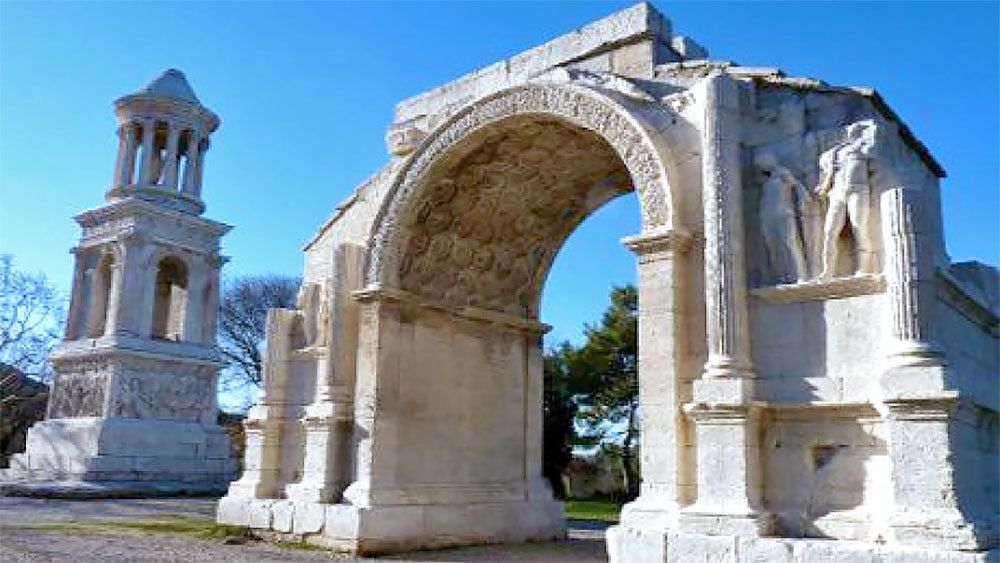 old preserved archway in Provence