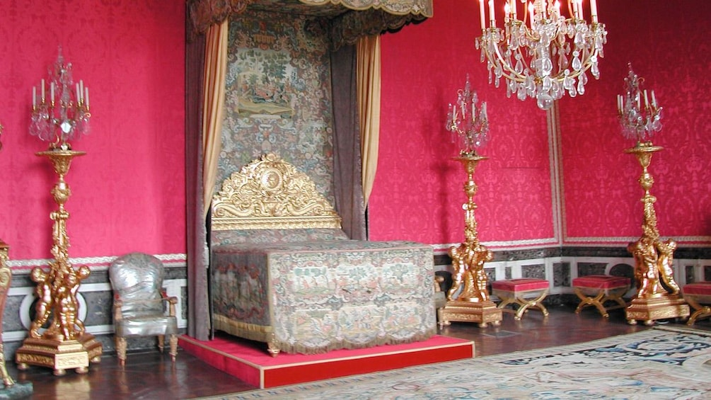 Show item 3 of 6. Inside the Versailles Guided Tour in Paris