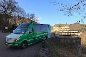 Sightseeing Hop on Hop off Nature & Castle TOUR