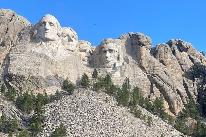 Private VIP Boutique Day Tour of Mt. Rushmore and The Badlands