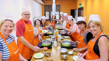 Hands-on Singapore Cooking Class & Cultural Exchange