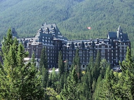 Banff Area 1-Day & Hiking Tour From Calgary or Banff
