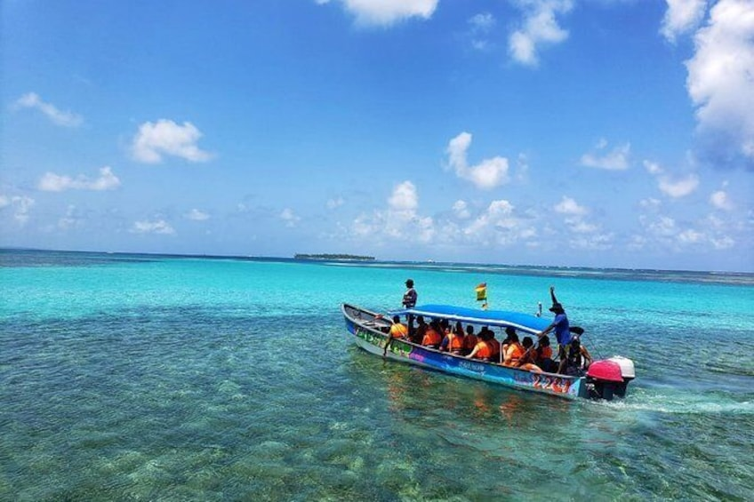 Show item 5 of 30. 3 days / 2 nights in San Blas with trip to Cayos Holandeses + Day Tour