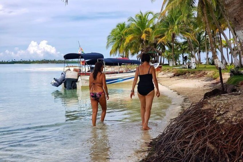 Show item 3 of 30. 3 days / 2 nights in San Blas with trip to Cayos Holandeses + Day Tour