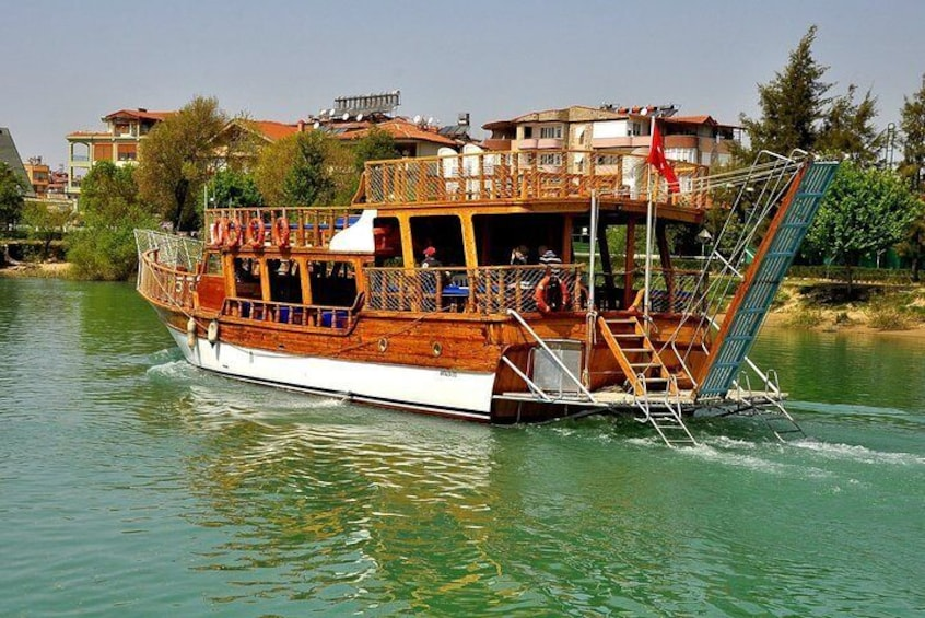An unforgettable boat tour to Manavgat River and waterfall