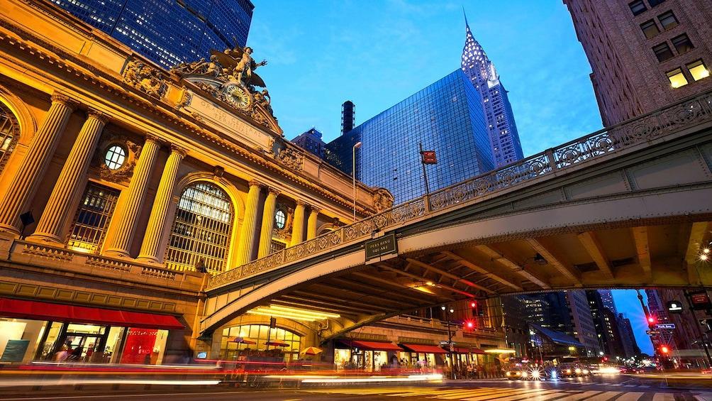 Apri foto 2 di 5. Grand Central Station at night in New York