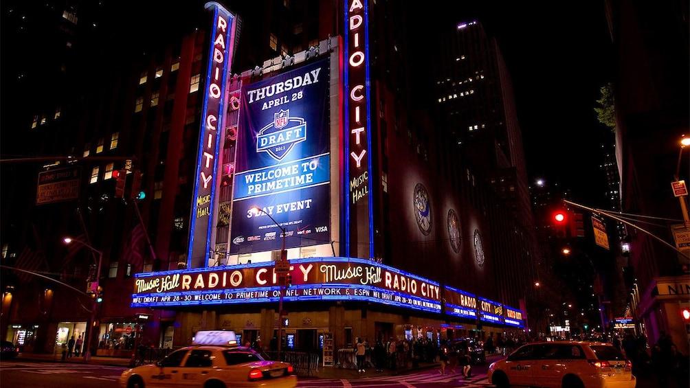 Apri foto 3 di 5. Radio City Music Hall in New York