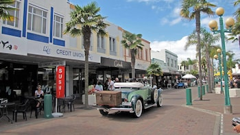 Napier Cruise Excursion – City Sights & Hawke's Bay Tour