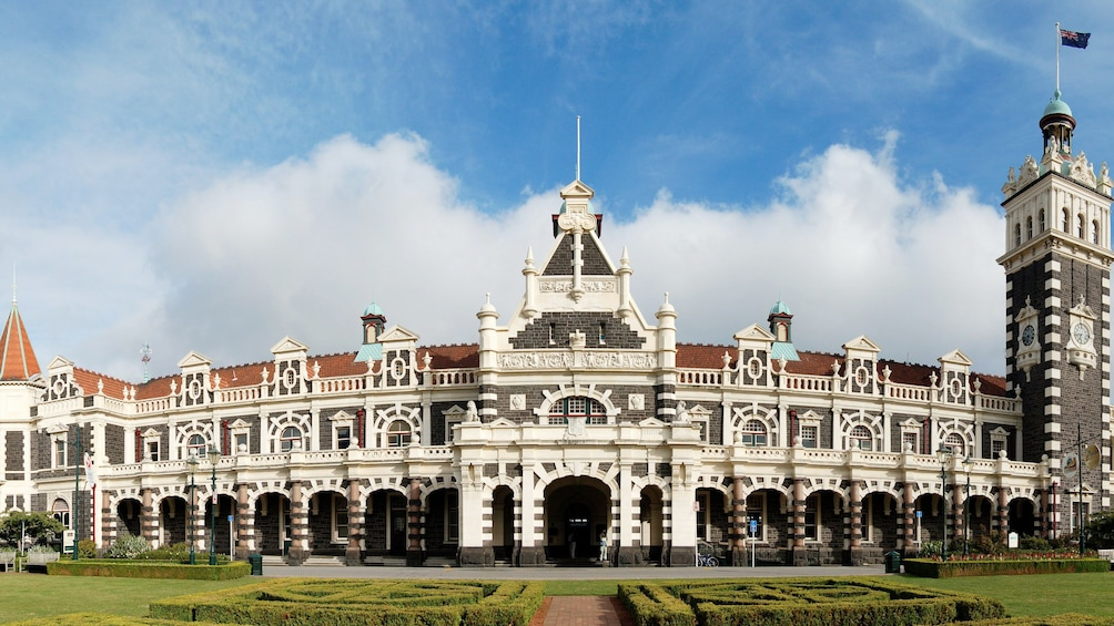 Show item 5 of 5. Stunning architecture in New Zealand