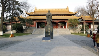 Historical & Cultural Monuments Full-Day Tour with Lunch