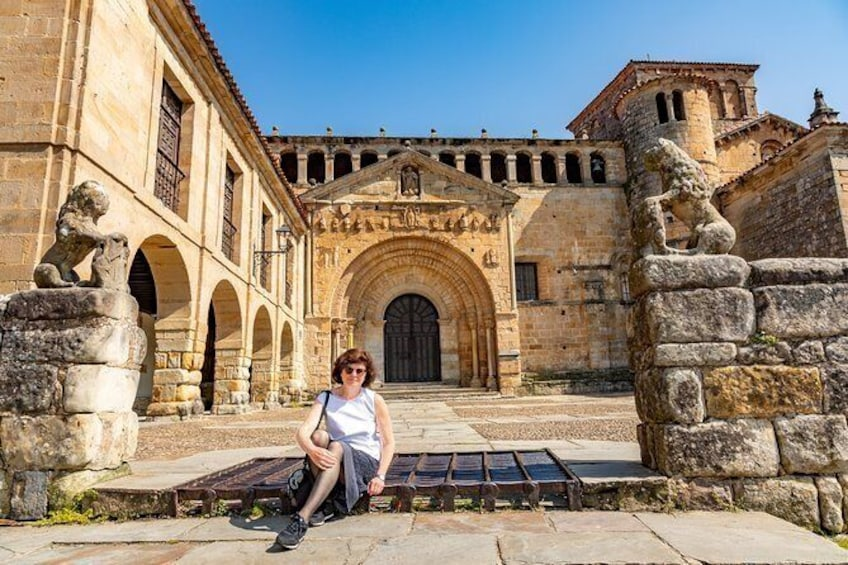 "Show item 2 of 3. Guided tour ""Love stories of Santillana"""