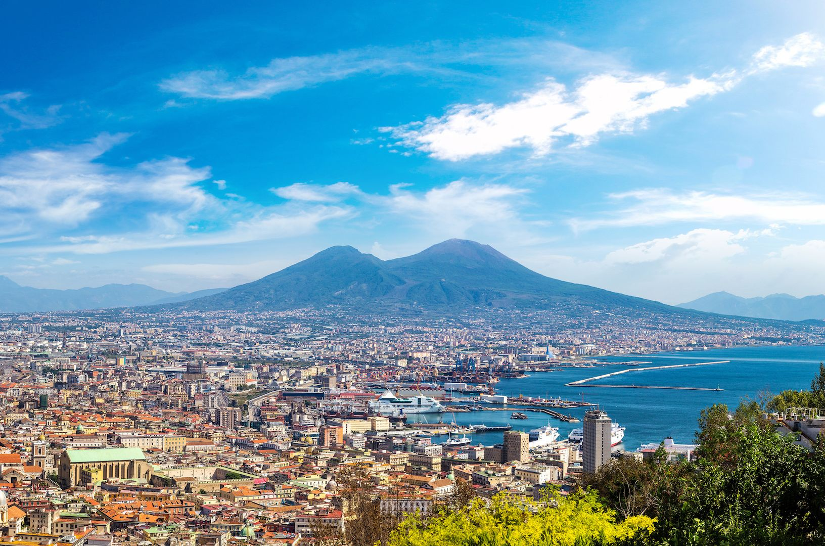 Naples Experience: Small Group Tour from Sorrento with Lunch
