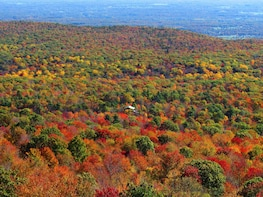 Private Autumn Helicopter Tour From Westchester (4-5 People)