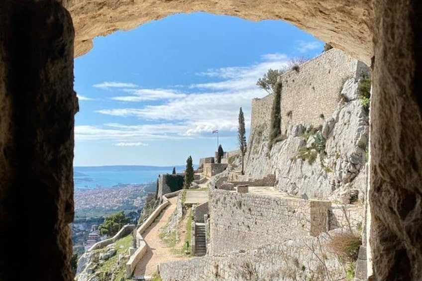 Guided tour of Stella Croatica + Entrance ticket to Klis fortress