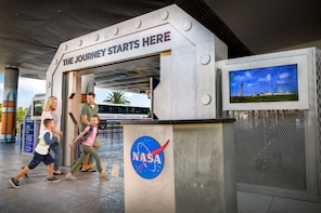Roundtrip Shuttle to Kennedy Space Center