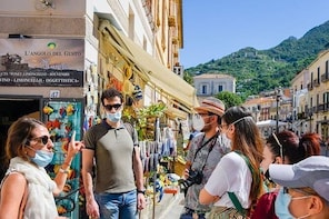 Private Walking Tour of Maiori with Concert
