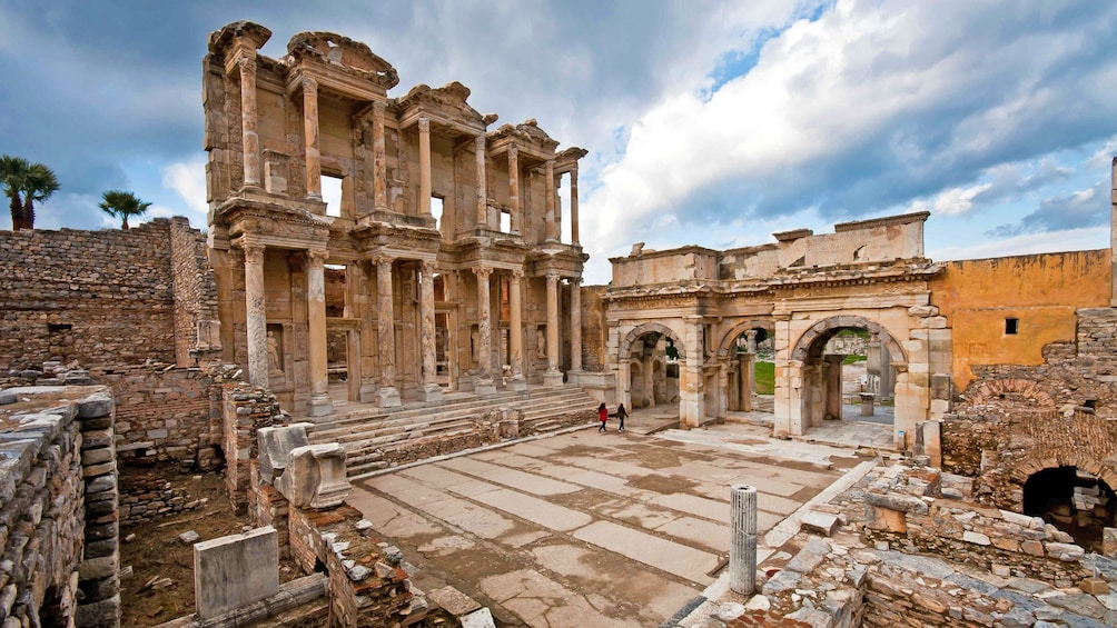 Show item 1 of 5. The library of Celsus