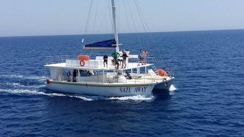 catamaran-sail-away-cyprus-limassol-1024x576.jpg