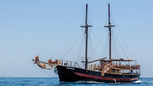 A Pirate cruise with sails down