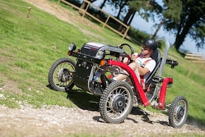 Driving an electric swincar on an all-terrain circuit