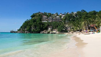 Boracay Island Hopping Private Tour with Lunch