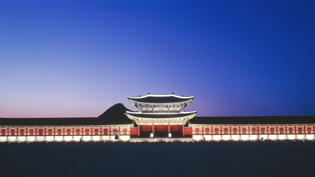 แสดงภาพที่ 3 จาก 5 Night view of Gyeongbokgung Palace in Seoul
