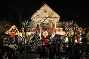 Christmas Lights Tour in Dyker Heights