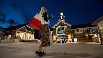 Woodbury Common Premium Outlet Shopping Shuttle