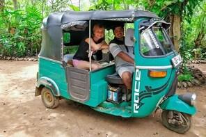Village Tour by Tuk Tuk from Habarana