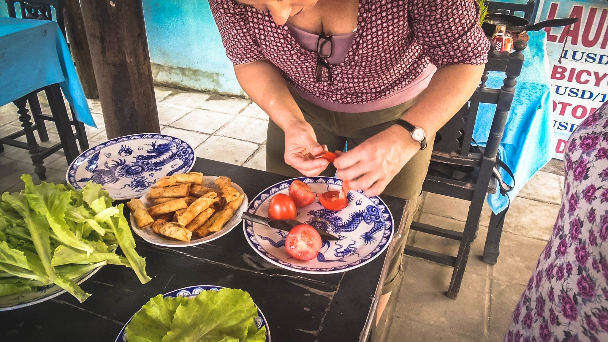 Hoi An Market Boat Tour & Cooking Class with Local Guide
