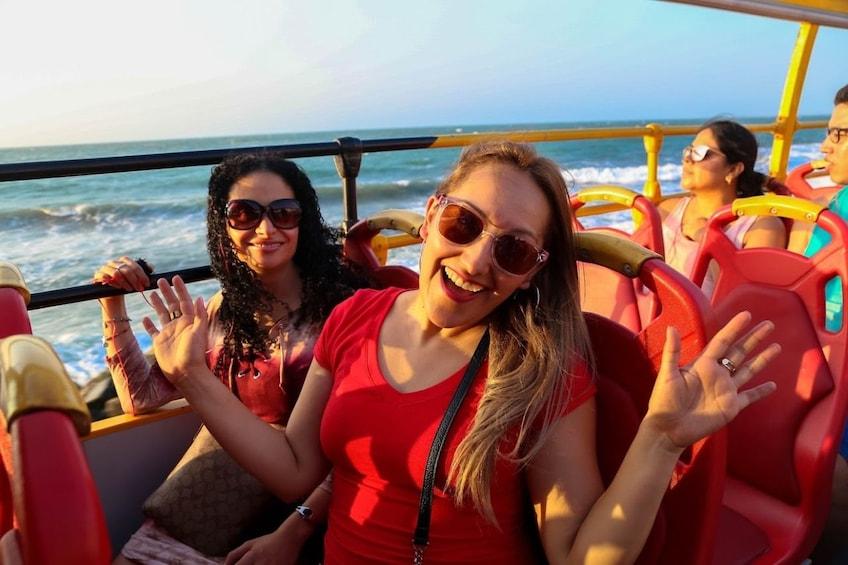 Foto 5 von 8 laden Cartagena Hop-On Hop-Off Bus Tour