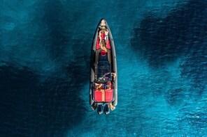Private luxury boat tour to Kleftiko Milos